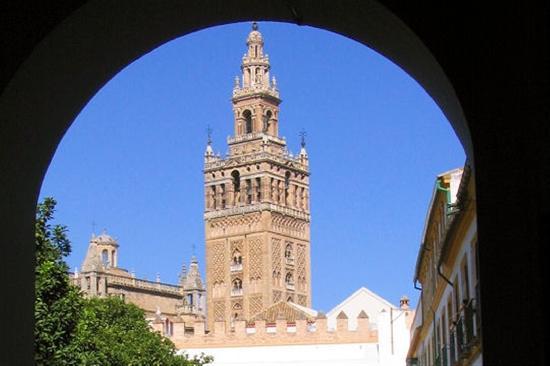 Ibis Sevilla: giralda