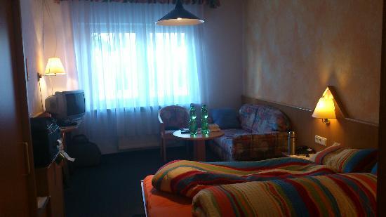 Scheuermann Hotel Garni Gaestehaus: The bedroom