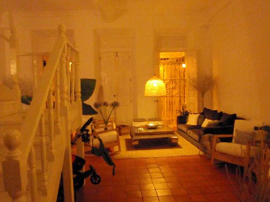 Hotel Portes 9: Main Room