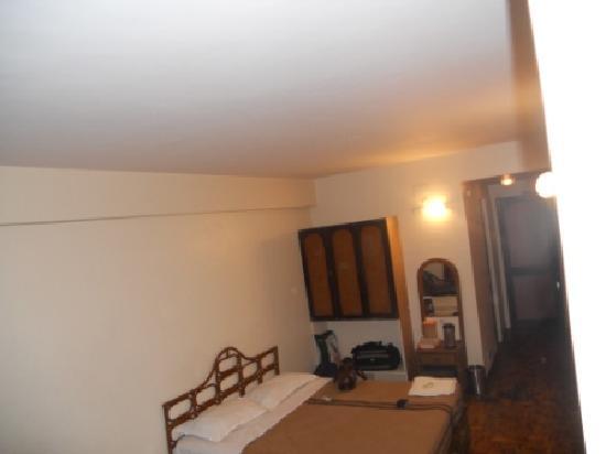 Astoria Veg Restaurant : Room