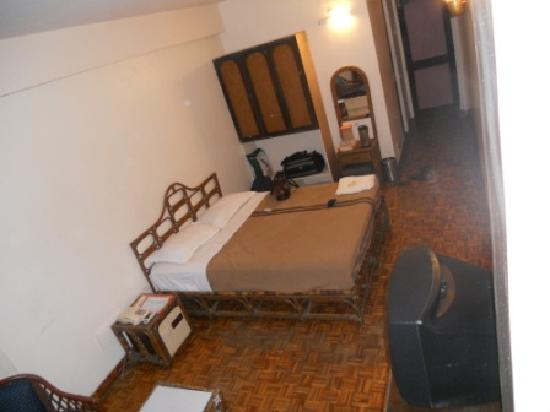 Astoria Veg Restaurant: Room