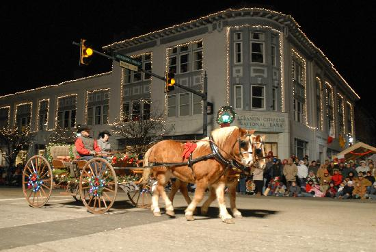 Warren County, OH: Lebanon Christmas Festival and Horse-Drawn Carriage Parade