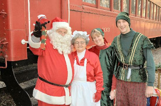 Warren County, OH: All aboard the North Pole Express at LM&M Railroad