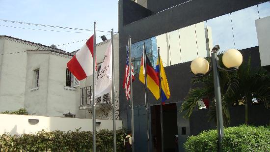 Los Tallanes Hotel & Suites: outside