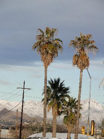 Frontier Motel: view of the mountains