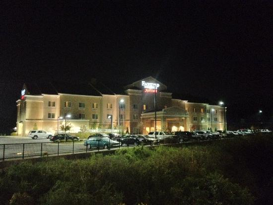 Fairfield Inn & Suites Columbus: Front of the hotel at night.