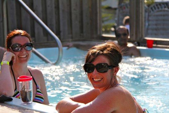 KOA 1000 Islands / Ivy Lea: Adult relaxin time