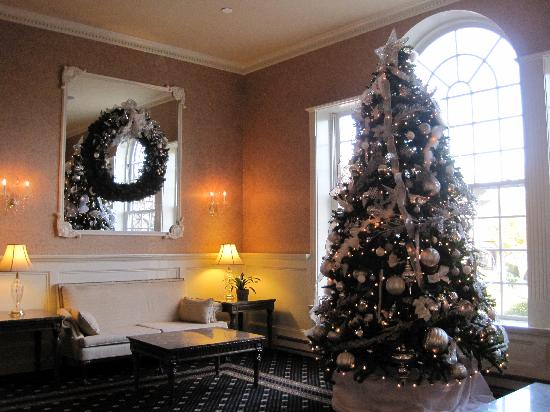 Viking Christmas.Christmas Tree In Lobby Picture Of Hotel Viking Newport