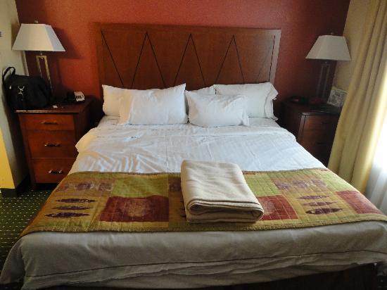 Residence Inn Fayetteville Cross Creek : Fresh Linens every night!