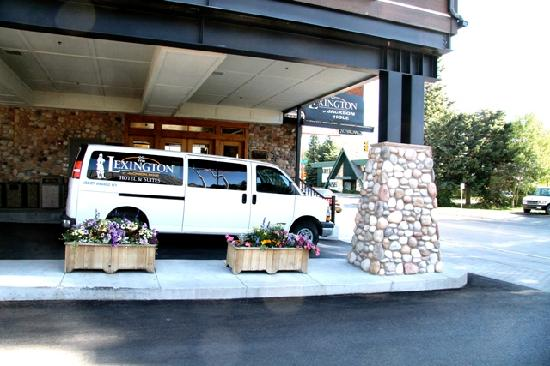 The Lexington at Jackson Hole Hotel & Suites: Complimentary Airport Transfers