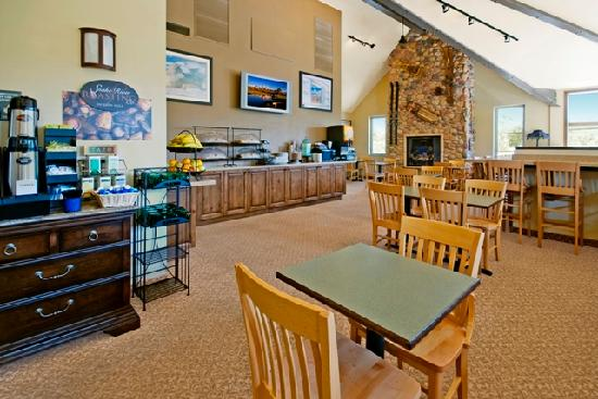 The Lexington at Jackson Hole Hotel & Suites: Daily Complimentary Breakfast
