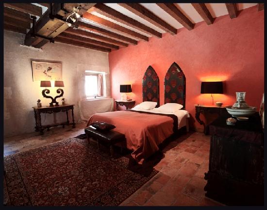 Ch teau monast re de la corroirie b b montresor france for Prix chambre chateau vallery