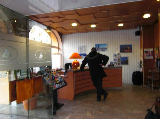 Citotel Cecil Hotel: la réception