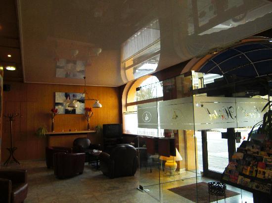 Citotel Cecil Hotel: hall d'entrée