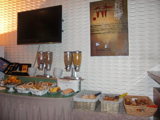 Citotel Cecil Hotel : BUFFET