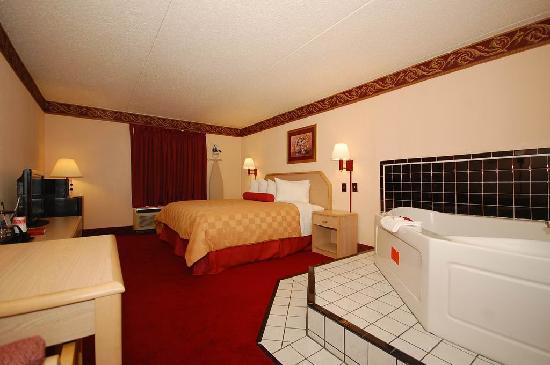 رمادا مورفريسبورو: One King Bed Jacuzzi Room