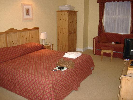 The Royal Inn: Room