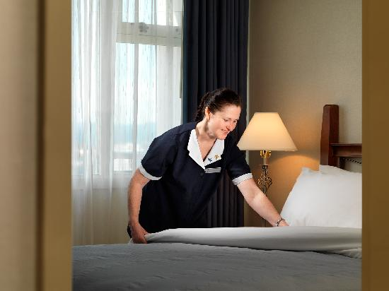 Chateau Victoria Hotel and Suites: Friendly service at every turn