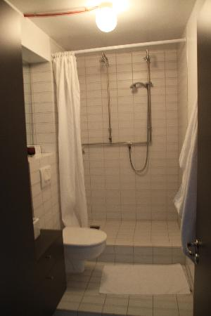 Grettisborg Apartments: Bathroom