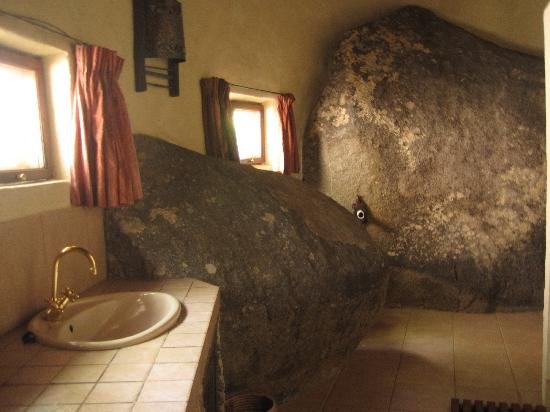 Ancient city lodge updated 2017 reviews price for Bathroom designs zimbabwe
