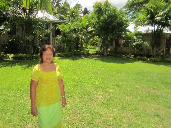 Talanoa Fales Accommodations: Jacinta, the owner, and her fales in a wonderful tropical garden