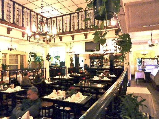 Main dining room at Altuna
