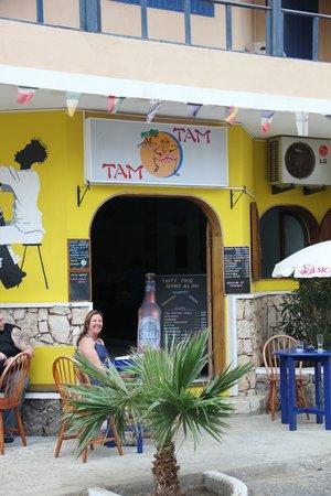 Tam Tam Bar: just chillin