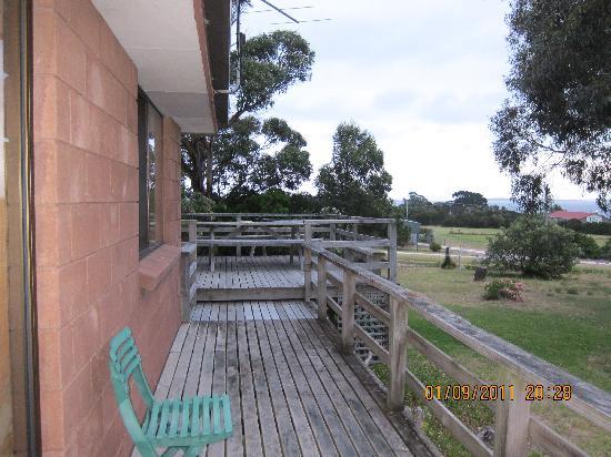 Yaringa Holiday Cottages: porch
