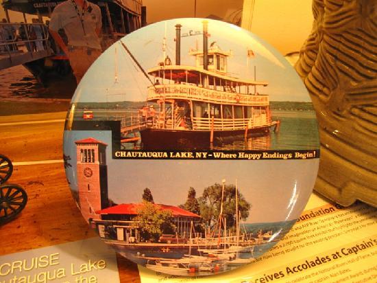 Maple Springs Lake Side Inn: Their family runs the Chautauqua Belle