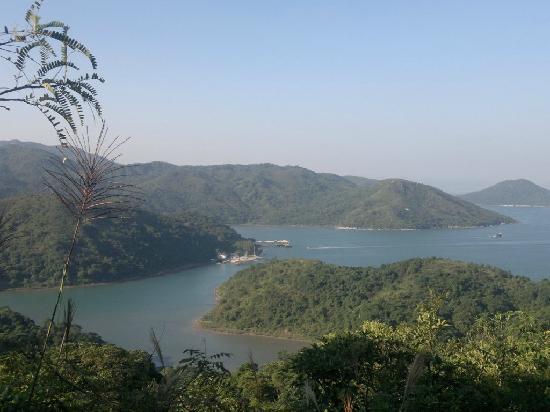 Sai kung East Country Park : Ko Tong Hau and partial view of Wong Shek Pier
