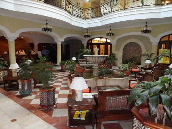 Iberostar Grand Hotel Trinidad: le patio et la réception