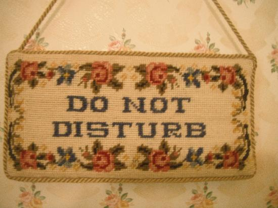 The Chalet Guesthouse and Studio : Embroidered Door hanger