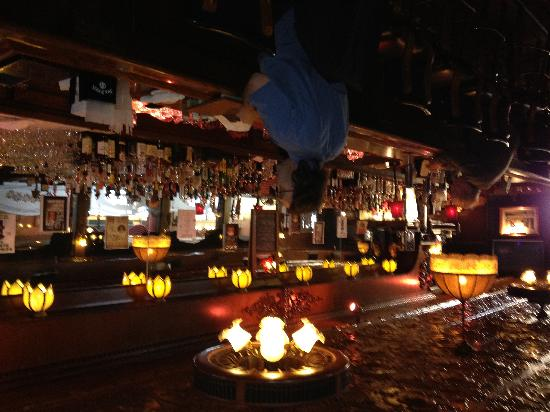 Great Escape : Tradtional bar