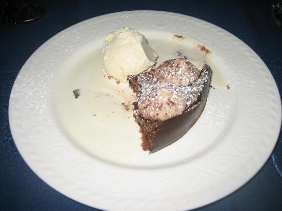 Le Normandie: Incredibly yummy dessert