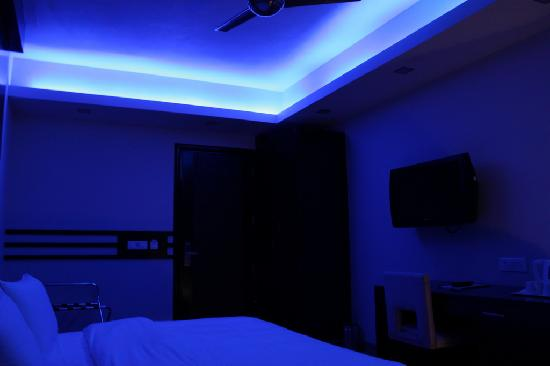 room mood lighting. Silver Arch Hotel: Mood Lighting In All Rooms Room O