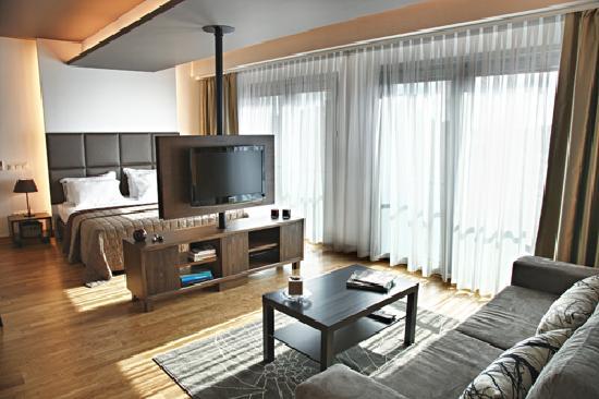 Chakra Suites: studio general view