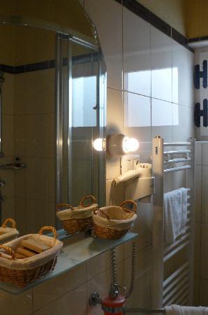 Aparthotel Bracka Perla: bagno2