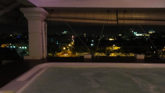 Le Cyclo: le jaccuzzi sur le toit vue imprenable