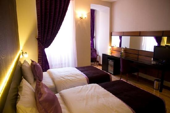 Hotel Au Pera: DELUXE PURPLE ROOM