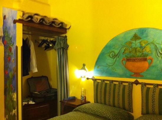 Piazza Garibaldi B&B : stanza verde