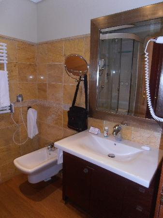 Apartamentos Turísticos Edificio Santiago: baño