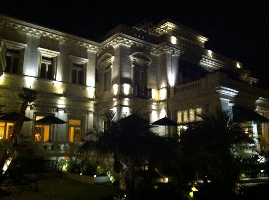 Glorietta Bay Inn: The Glorietta Bay Inn at night