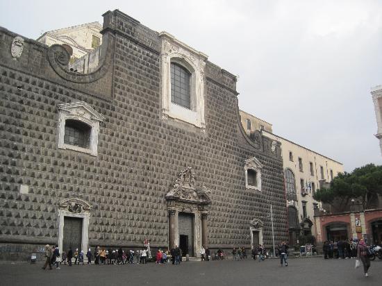 Gesu Nuovo Church: La facciata della Chiesa del Gesù Nuovo