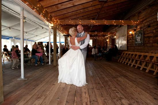 Rainbow Ranch Lodge: The wedding tent:)