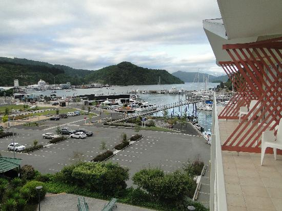 Picton Beachcomber Inn: View from the room to Picton Harbour