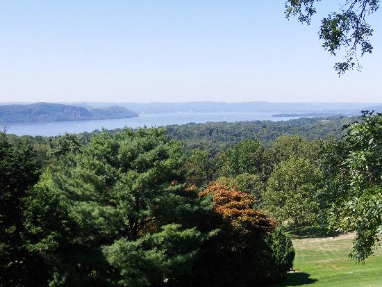 view of Hudson River from Kykuit