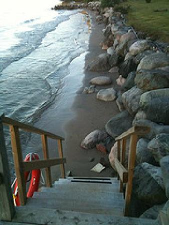 Timber House Resort : Steps to the beach!