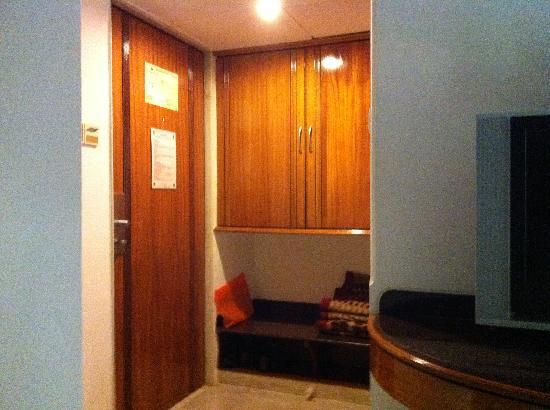 Ramee Guestline Dadar Hotel: pic 5