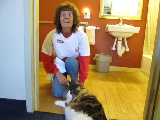 Red Roof Inn Allentown Airport: one of the housekeeping staff making friends with our boy