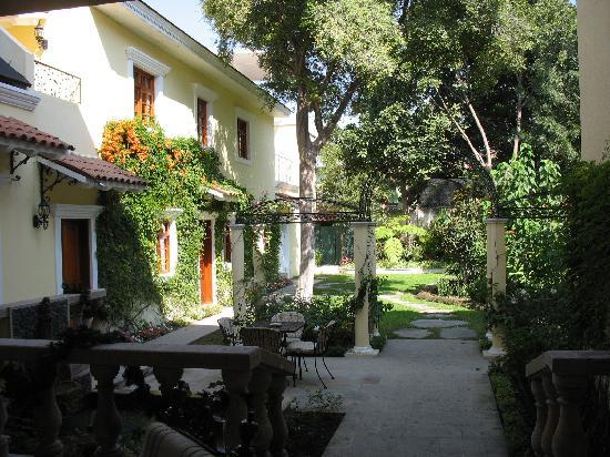 Hotel Villa San Francisco: Garden